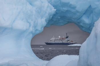 413A8868-12x8-Ship-through-Ice