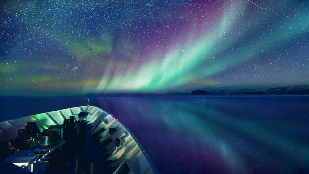 arctic_east_greenland_northern_lights-1