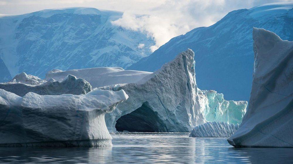 arctic_east_greenland_northern_lights-9